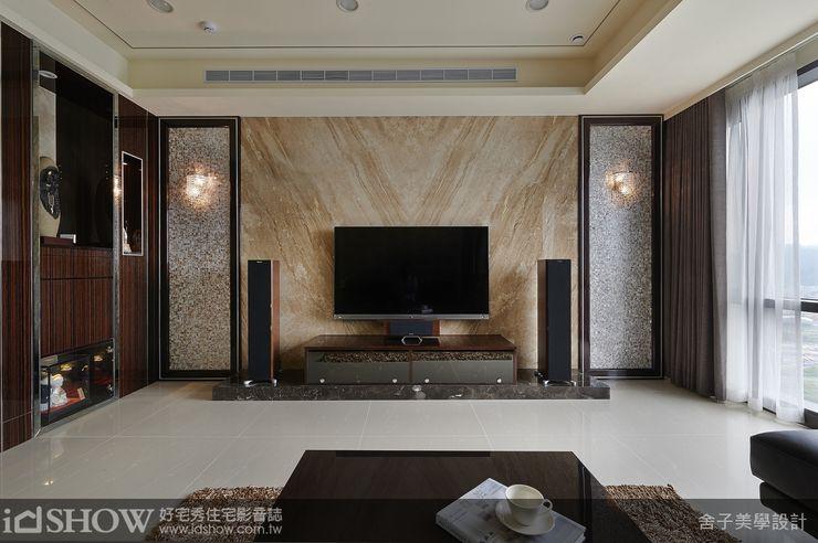 电视背景墙壁灯高度
