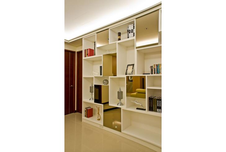 书柜以相似於多宝格的架构设计